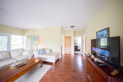 Living Space in 2 Bedroom Home